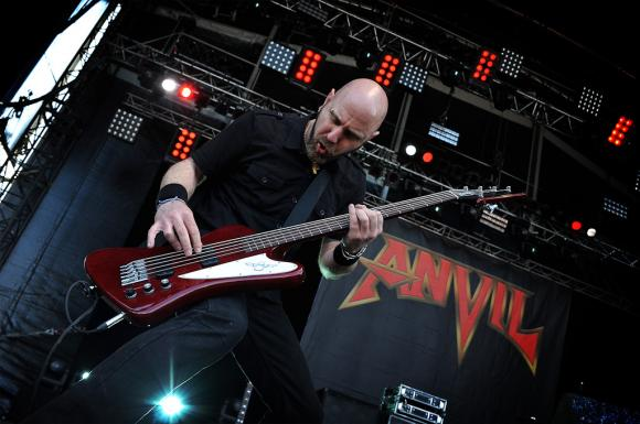 http://10000visions.cowblog.fr/images/Hellfest/Anvil2.jpg